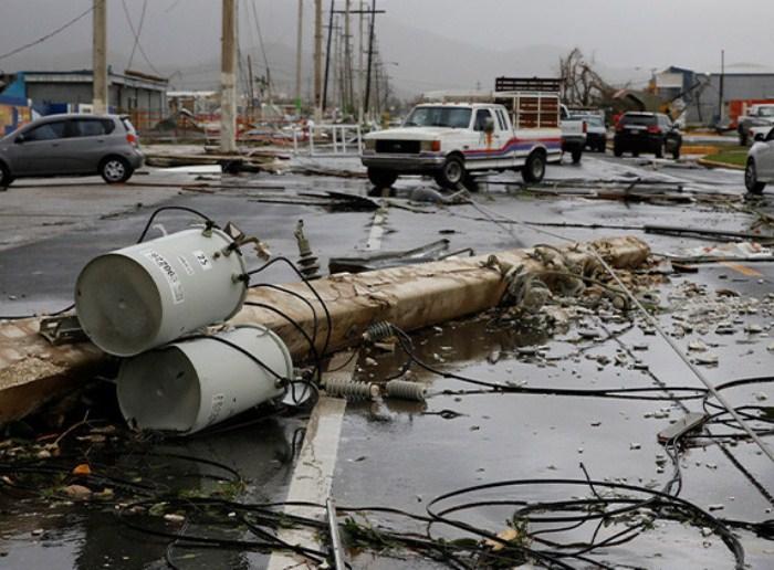 El 100% de Puerto Rico se encuentra sin luz — Huracán María